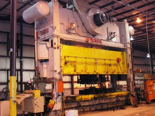 800 ton Verson straight side double crank press